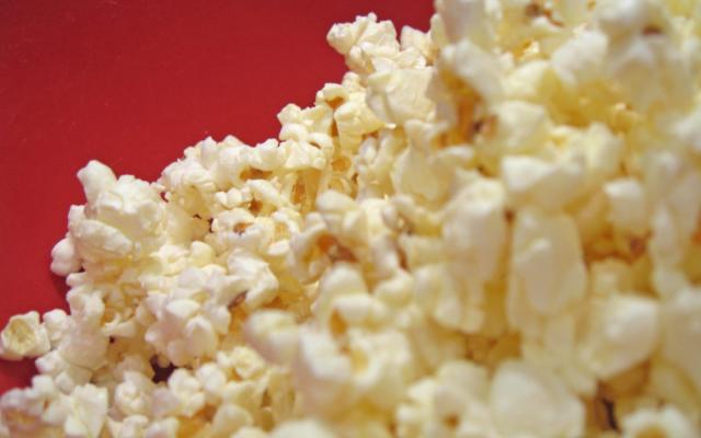 Popcorn cascading downwards