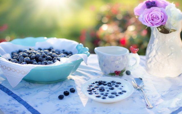 blueberries-1576405_1280