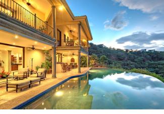 Villa Estrella with their showpiece infinity pool-credit-Villa Estrella