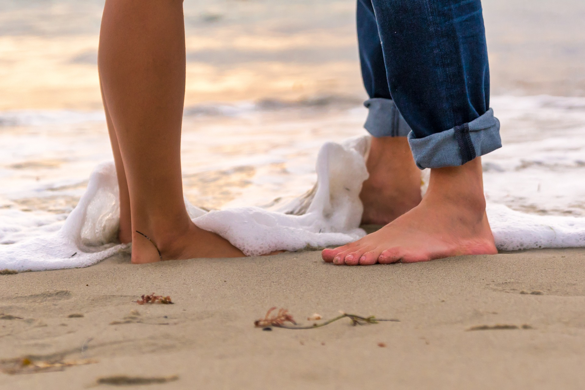 Couples having sex on the beach picture 77